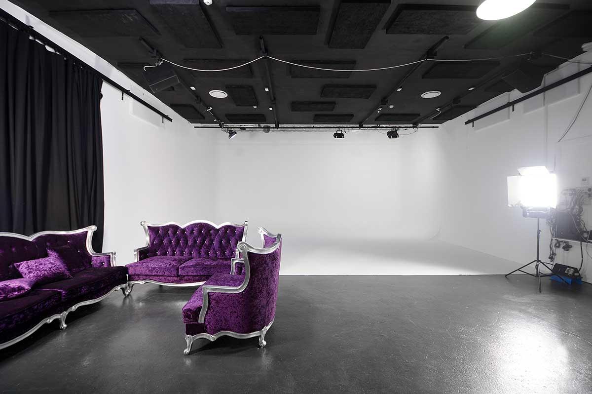 Sydney Props Photo Studio - Studio 4 TV Production - Soundproof Studio fin Marrickville
