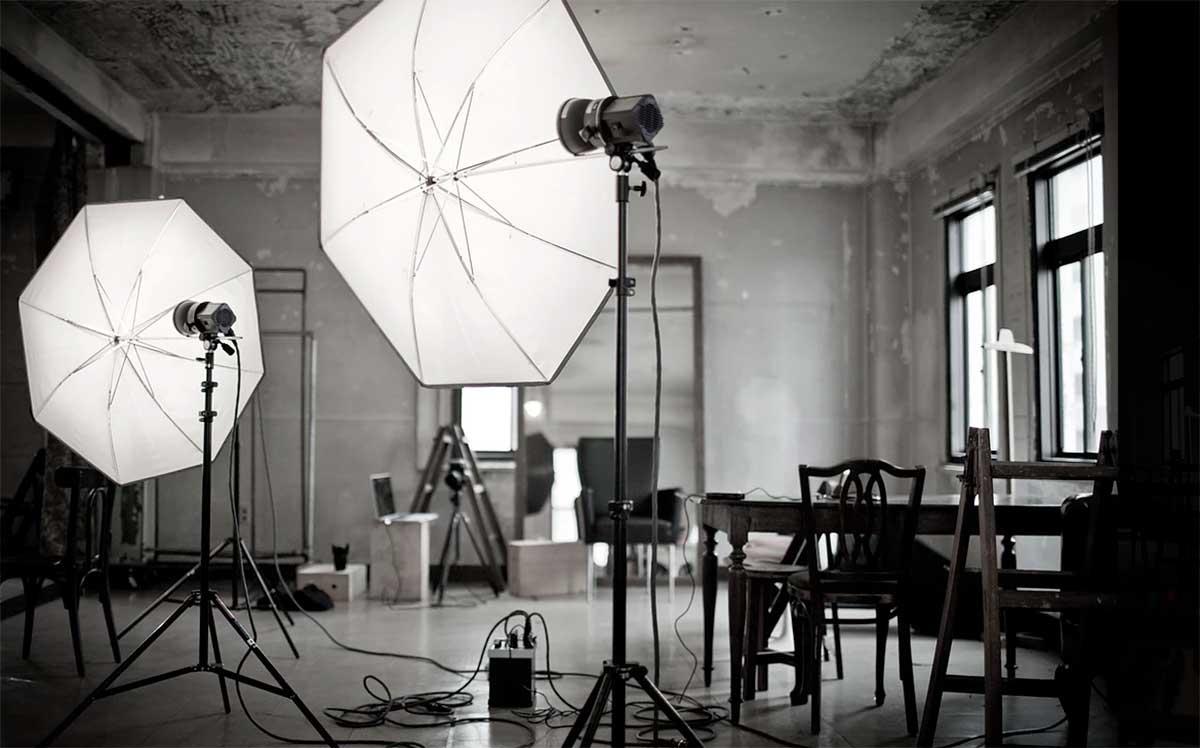 Sydney Props Photo Studio - Studio 1 Warehouse - Access to Props